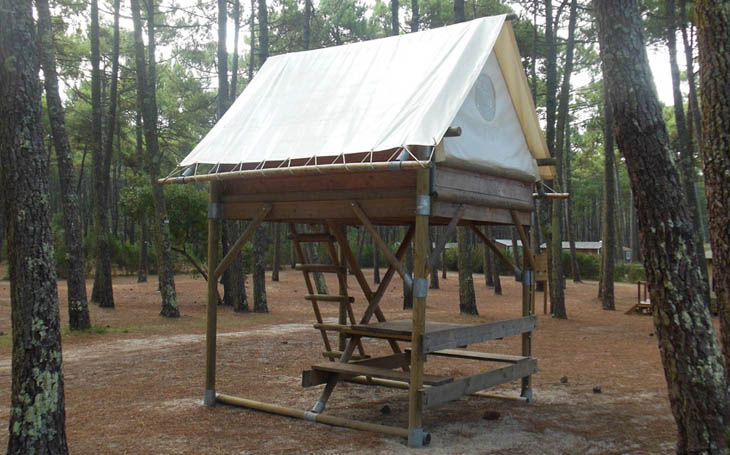Tent on stilts for 2 people